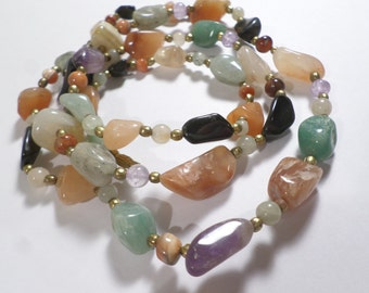Vintage Gold Tone Multi Color Stone Single Strand Beaded Necklace With a Barrel Clasp  DL#6750