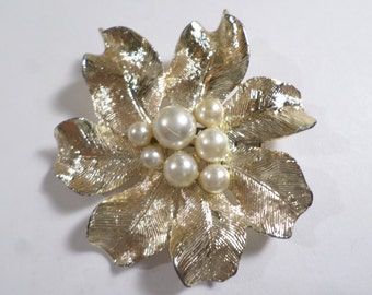 Vintage Gold Tone Flower Brooch With A Cluster Of Faux Pearls  DL#6941