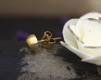 Single 18K Gold Stud Earring