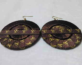 Brown and Gold Tone Stylish/Fashionable Ribbon Earrings
