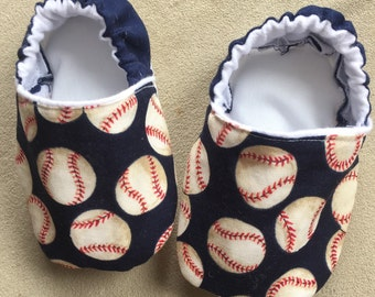 Baseball booties, crib shoes, infant shoes, sports, baby boy shoes, MLB, slippers, fabric