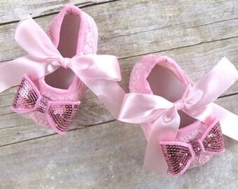 Baby girl shoes, baby girl booties, newborn girl shoes, newborn girl booties, baby shoes, baby booties