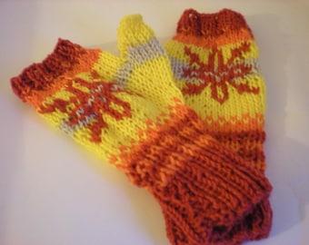 Handknit fingerless gloves / wristwarmers