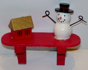 Mini Christmas shelf- red