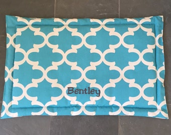 Personalized Dog Training Mat || Quatrefoil  Extra Large Crate Bed || Custom Comfy Mat || Puppy Gift by Three Spoiled Dogs