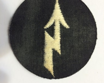Five Vintage Round Embroidery Patch Black with Off-White Arrow