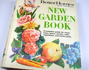Better Homes & Gardens New Garden Book Binder 1974 Vintage Gardening Book Vintage Landscaping 1970s Decor 1970s Household Advice