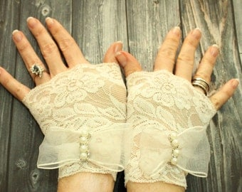 Lionaa, Beige Cream Lace Cuff, Off white Fingerless Lace gloves, Pearl Cocktail gloves, Dance gloves, Cream gloves of stretch lace