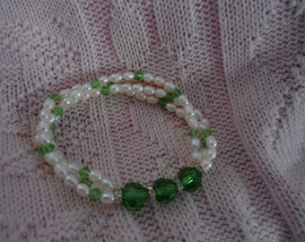 3 Strand of Genuine Fresh Water Pearls, Swarvoski Green Crystal Stretch Bracelet in Excellent Condition