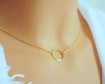 Circle Necklace. Gold Circle Necklace. Eternity Necklace. Gold Eternity Necklace. 14k GoldFilled Hammered Circle. Dainty Girlfriend gift