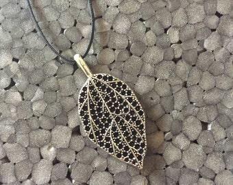 Leaf charm /pendant Necklace