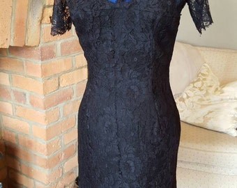 Bewitching vintage cobweb spiderweb lace dress with illusion sweetheart bodice size small