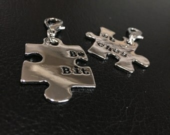 FREE SHIPPING ISHOW Best Bitch best friend Multi Usage Puzzle Set of 2 Keychain accessories zipp er puller mini charms gift for her