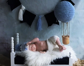 Newborn Photo Session Prop, newborn bed props, baby photo prop, crochet balloon, banner, mattress