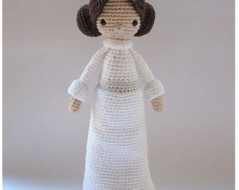 Princess Leia - Crochet Pattern by {Amour Fou}