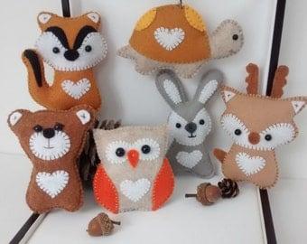 Woodland Animals Felt Ornaments / Owl, Deer, Bear, Chipmunk, Rabbit or Turtle / Christmas Ornament / Handmade / Price for ONE ornament