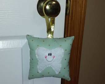 Hanging Tooth Fairy Pillows (mint with hearts)