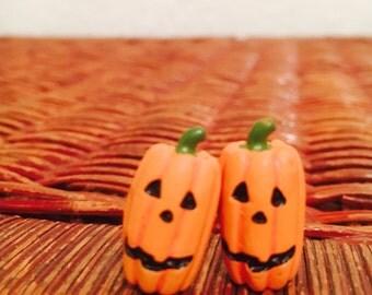 Pumpkin Stud Earrings (Oval)