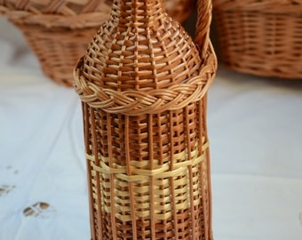 Wicker Demijohn Bottle, 1 liter Wicker Wrapped Bottle, Willow Demijohn Bottle, Willow Wrapped Glass Bottle, Wicker Decor