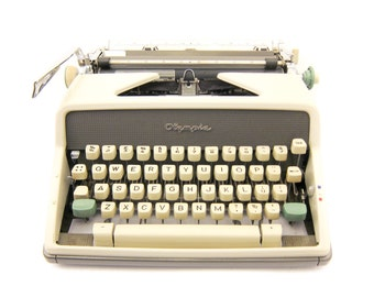 1963 - Olympia SM7 Typewriter - Working - Yet to be cleaned - Includes Case
