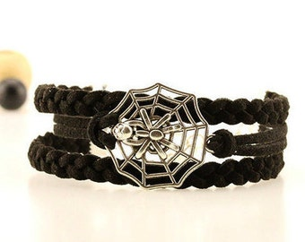 Silver spider bracelet Spiderweb jewelry Creepy crawler bracelet Black spider bracelet Halloween accessorie wrist band Spider horror jewelry