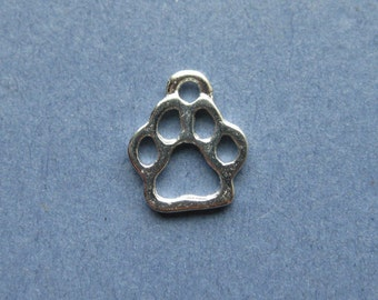 10 Paw Print Charms - Paw Print Pendants - Animal Charm - Paw Print - Silver Tone - 13mm x 11mm  --(No.25-10440)