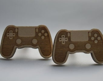 Video game controller style wooden cufflinks, Ideal gift for all occasions. Mens novelty cufflinks.