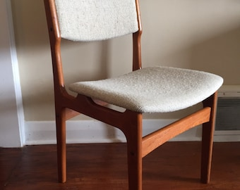 Mid Century Modern Danish Teak Dining Chair. Only one available.