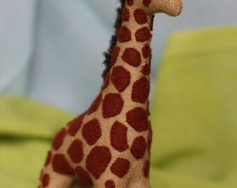 Giraffe //Stuffed Waldorf Giraffe //Waldorf toy //Stuffed animal //Waldorf Giraffe //Waldorf inspired