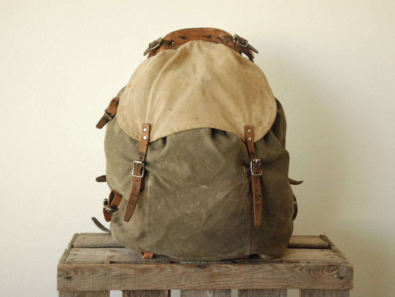 Plus Free Farmer Knife Swedish Army Backpack Rucksack