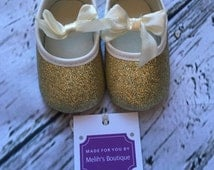FREE SHIPPING, light gold, gold shoes, baby glitter shoes, sparkle shoe, infant shoe, gold glitter shoes, Birthday shoes,