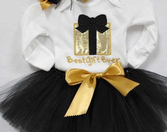 Baby Girl first Christmas outfit, Christmas outfit for baby girls, Black tutu, Black and Gold baby outfit, Personalized bodysuit