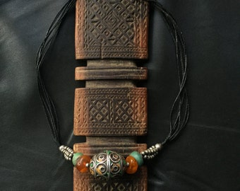TAGMOUT BEAD NECKLACE