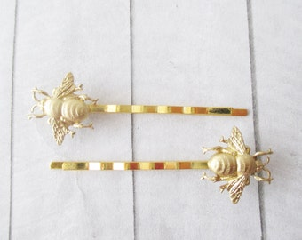 Bee bobby pins Gold bee hair clips Hair Pins Gold Bumble Bee Bobby Pins Brass Wedding Bridesmaids Bridal Gifts for her Hair Accessories Girl