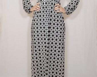 Black white dress Long sleeve dress Maxi dress Women Square print