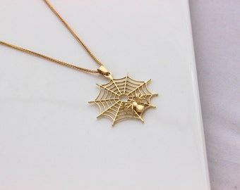 Spiderweb necklace, spider necklace, Gold animals, Solid 14k gold necklace, Gold 14K pendant, Necklace 14K solid gold