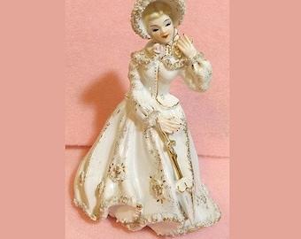 """Vintage Lefton Lady Porcelain Figurine K 8274 - W Woman in Confetti Lace Gold Trim  7.5"""""""