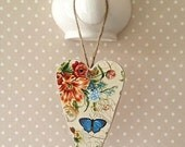 Wooden Heart Plaque Wall Drawer Plaque Heart Door Hanger Shabby Cottage Chic Botanical Garden Floral Butterflies Rustic Gift Tag