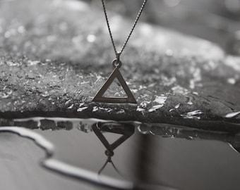 Silver necklace , necklace triangle, geometric jewelry, jewelry minimalist , contemporary jewelry