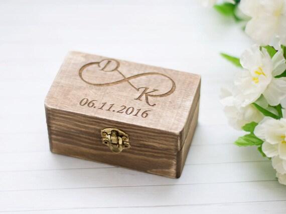 bague de mariage rustique boite personnalis bo te en bois. Black Bedroom Furniture Sets. Home Design Ideas