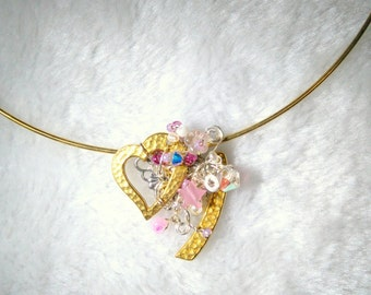 Wire weave pink and crystal heart pendant