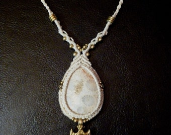Macramé necklace with Fossil Coral stone