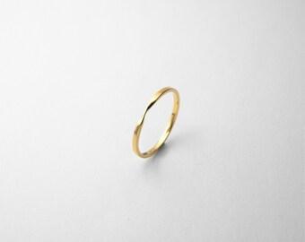 18K Gold Möbius Ring