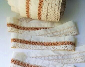 Vintage Eyelet Lace Edging Lace Trim Yardage Cream with Ribbon Insert