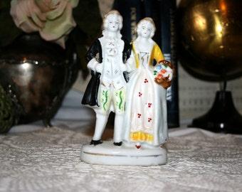 Occupied Japan Victorian Statue//Victorian Couple Statue//Vintage Victorian Statue