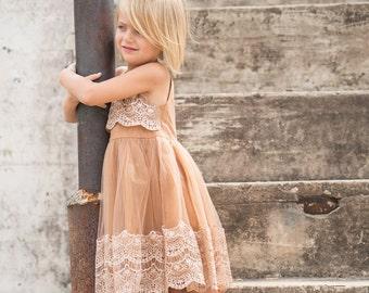 Country wedding,Vintage Flower Girl Dress,Flower Girl Lace Dress,flower girl dress,Girls tulle Dress,flower girl,Girls Beige Dress, vintage
