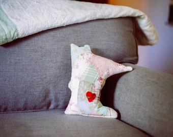 Minnesota Vintage Quilt Pillow