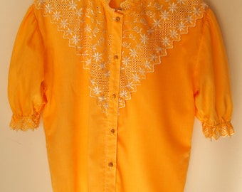 Romantic yellow blouse embroidered with Pearly flowers, frilly, 3/4 sleeves, original, elegant, chic, marbled buttons, unique piece