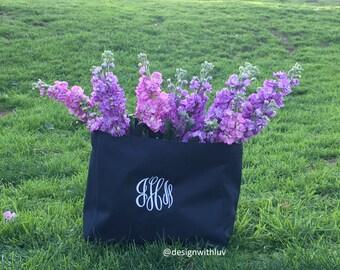 bridesmaid tote , bridesmaid gifts, personalized tote, bridesmaid gift, wedding tote, bridesmaid bag, maid of honor gift, bridesmaid bags