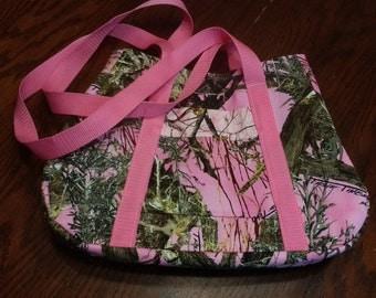 Pink Mosey Oak Medium Shoulder Bag
